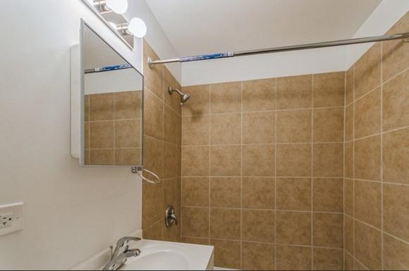 Bathroom of 7948 S Greenwood Ave in Chicago