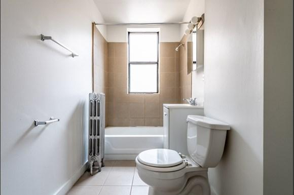 Bathroom of 1734 E 72nd St Apartments in Chicago