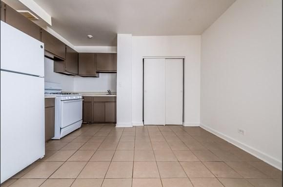 Kitchen of 1734 E 72nd St Apartments in Chicago