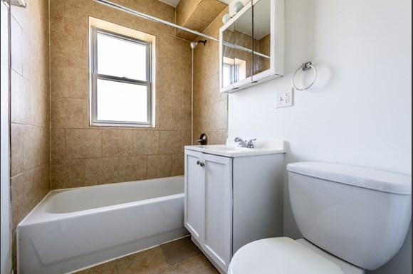 Bathroom of 6104 S Campbell Ave Apartments in Chicago