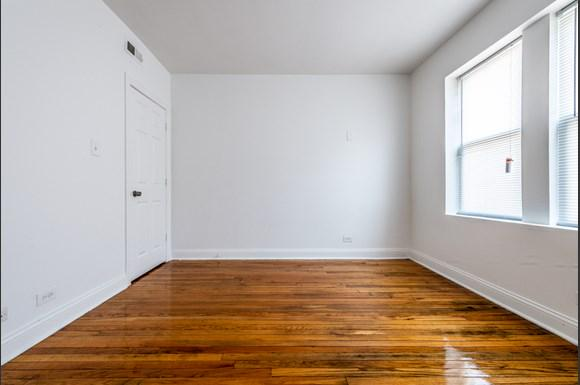 Bedroom of 6104 S Campbell Ave Apartments in Chicago