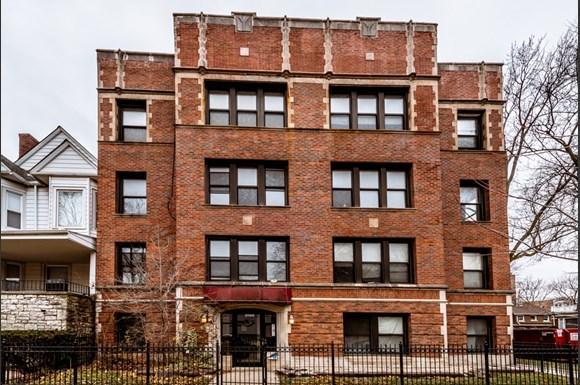 Exterior of 6904 S Cregier Ave Apartments in Chicago Apartments in Chicago