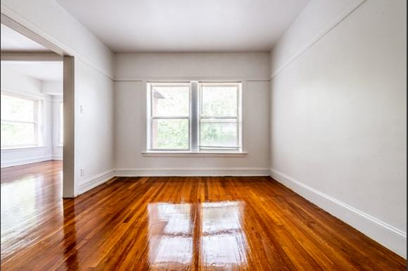 Dining Room of  7151 S Indiana Apartments in Chicago