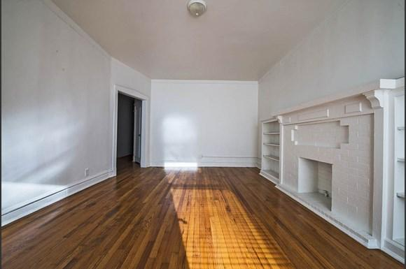 Living Room of 7236 S Yates Apartments in Chicago