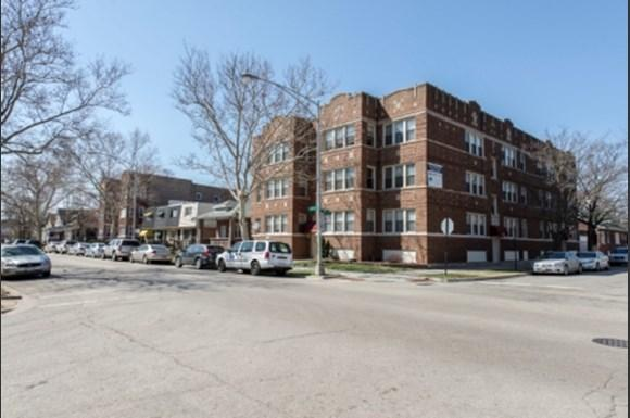 Exterior of 7400 S Yates Apartments in Chicago