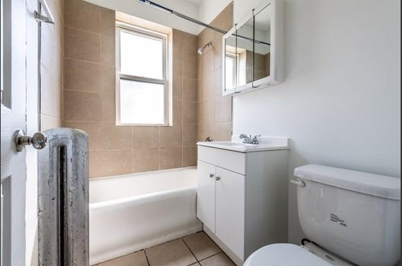 Bathroom of  7409 S Yates Blvd Apartments in Chicago