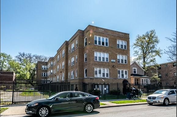 Exterior of 7409 S Yates Blvd Apartments in Chicago