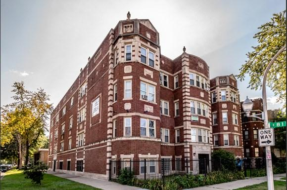 Exterior of 8101 S Drexel Apartments in Chicago