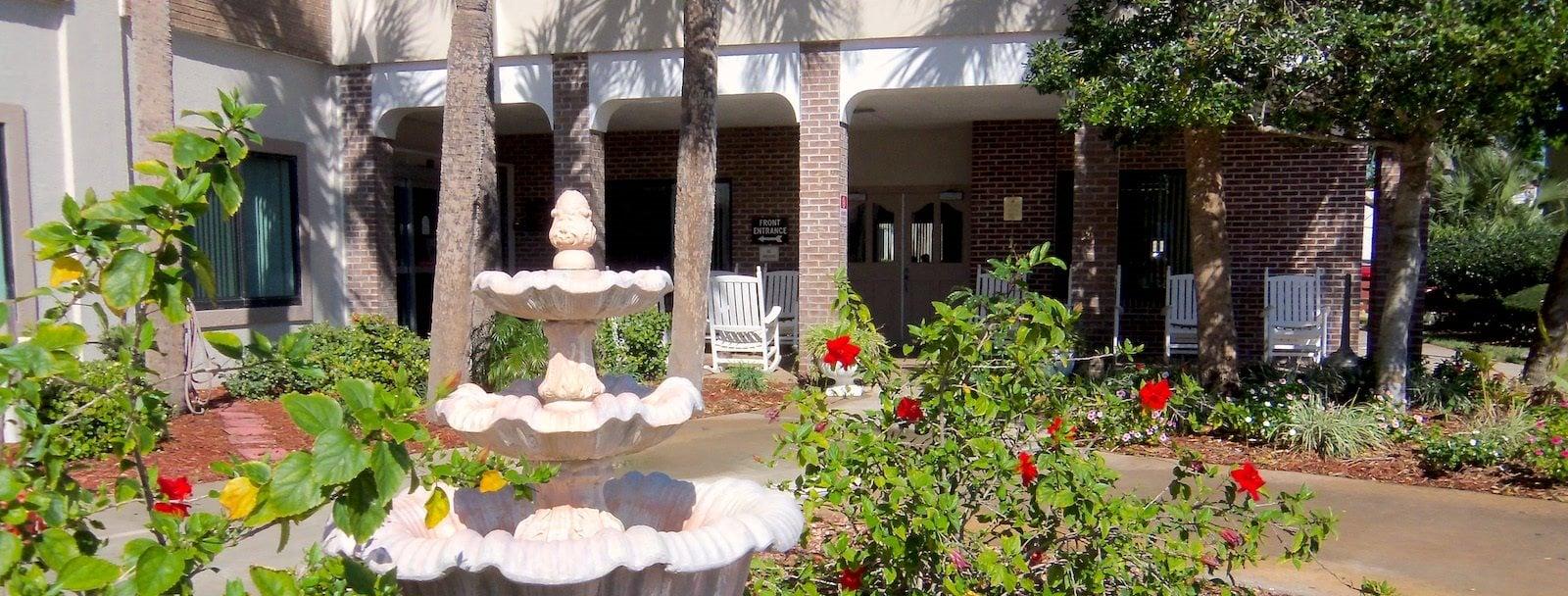 Central Manor Apartments in Daytona Beach, FL exterior