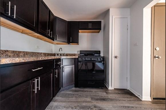 Kitchen 8935 S Dauphin Ave Apartments Chicago