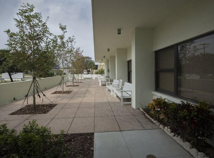 Mount Carmel Gardens senior apartments in jacksonville, florida courtyard