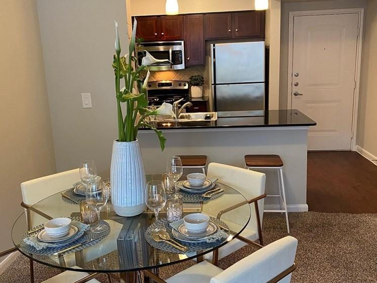 north austin apartments dining area