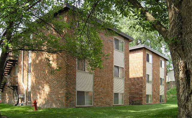 Courtyard With Green Space at Emerald Court, Iowa City, 52246