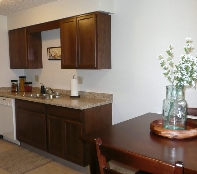 Fully Equipped Kitchens And Dining at Parkside Manor, Iowa, 52241