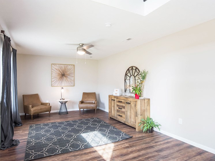 Grand Rapids MI Apartment Rentals Bayberry Chase Lower Level Sitting