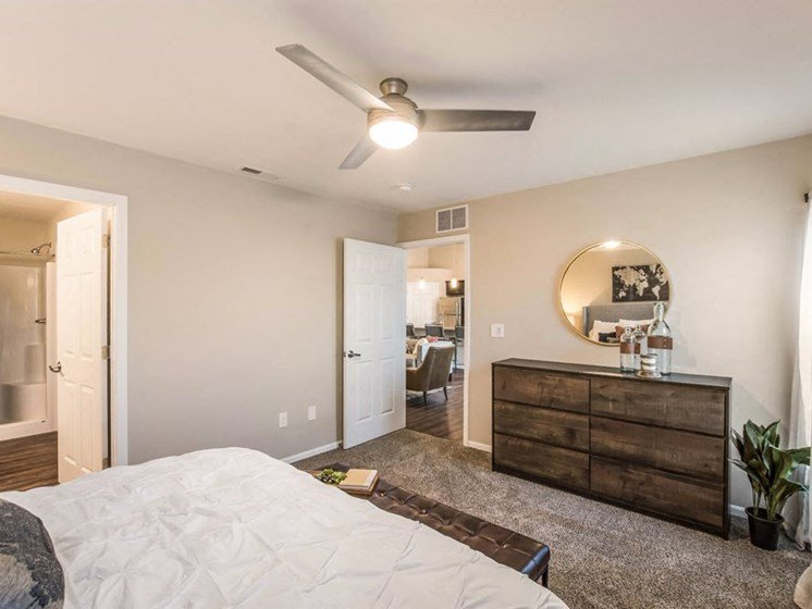 Grand Rapids MI Apartment Rentals Redwood Bayberry Chase Bedroom To Living
