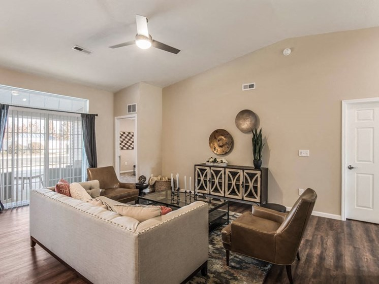 Grand Rapids MI Apartment Rentals Redwood Bayberry Chase Living