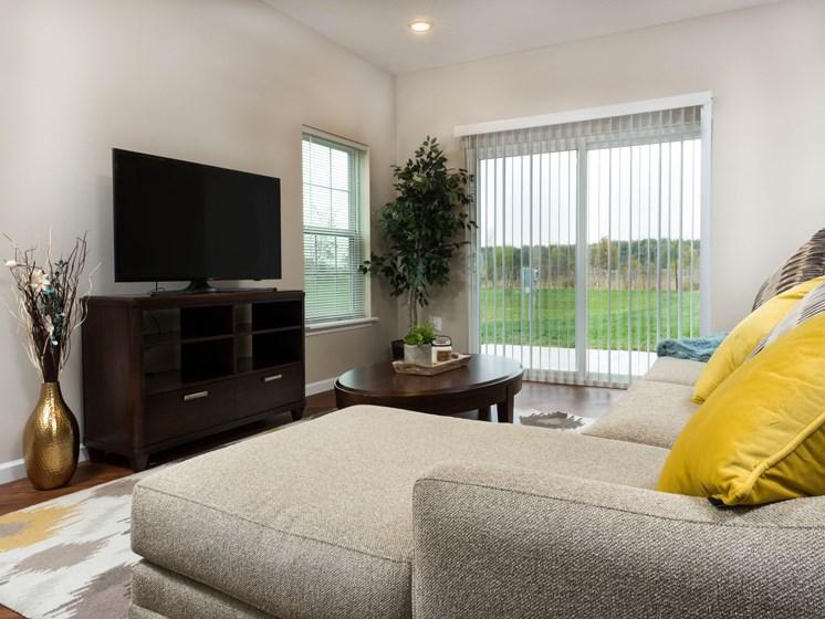 Midland OH Apartment Rentals Redwood Living Room