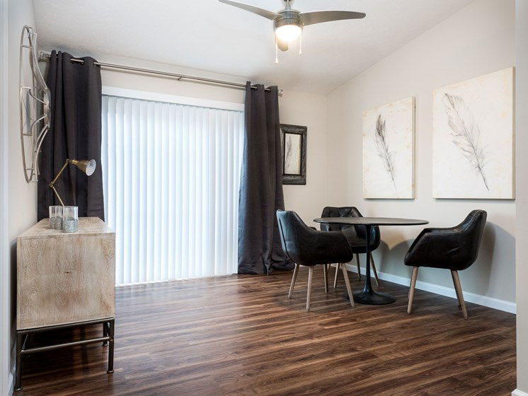 Lake Orion Michigan Apartment Rentals Redwood Lake Orion Plank Flooring Den Space