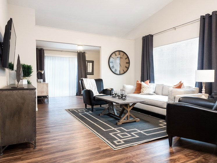 Lake Orion Michigan Apartment Rentals Redwood Lake Orion Plank Flooring Living Room