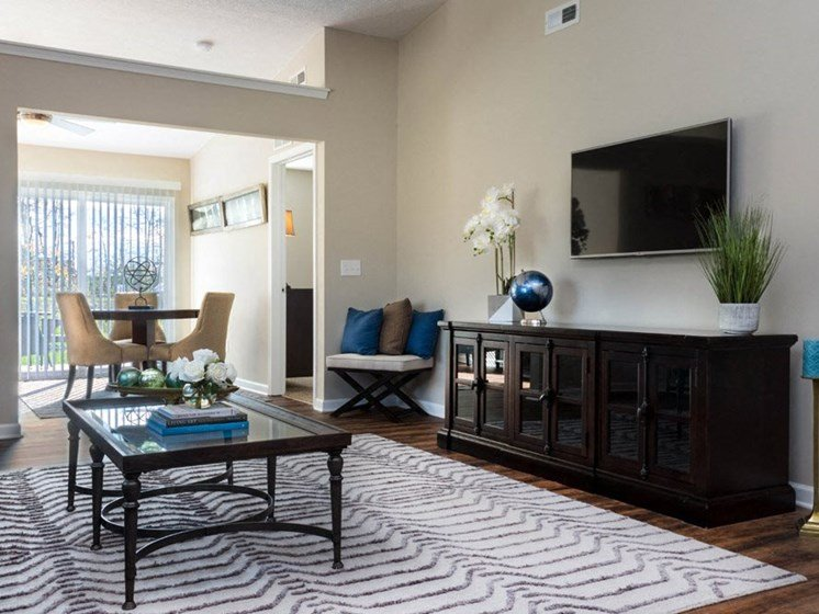 Brownstown MI Apartment Rentals Redwood Red Hawk Landing Living