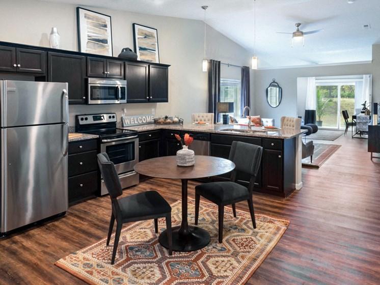 Reynoldsburg OH Apartment Rentals Redwood Blacklick Point Kitchen