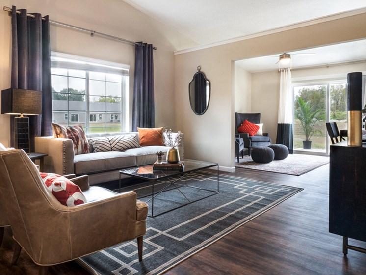 Reynoldsburg OH Apartment Rentals Redwood Blacklick Point Living Room Den
