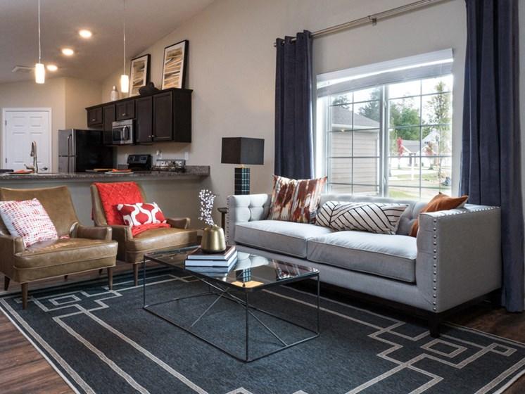 Reynoldsburg OH Apartment Rentals Redwood Blacklick Point Living Room