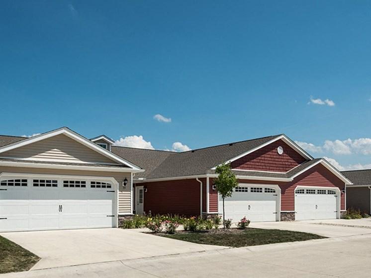 Washington OH Apartment Rentals Redwood Hawthorne Gate Two Car Garage