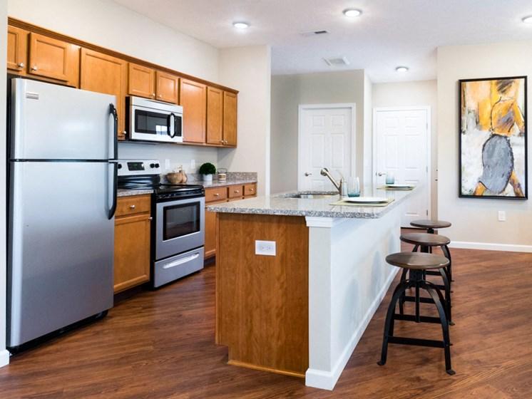Milford OH Apartment Rentals Redwood Thornhill Landing Kitchen