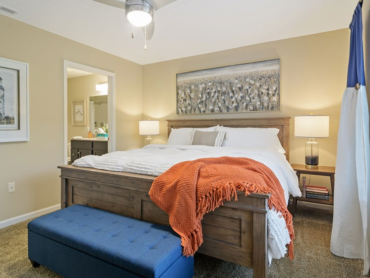 Fort Wayne Indiana apartment rentals Redwood Fort Wayne Diebold Road Main Bedroom Suite