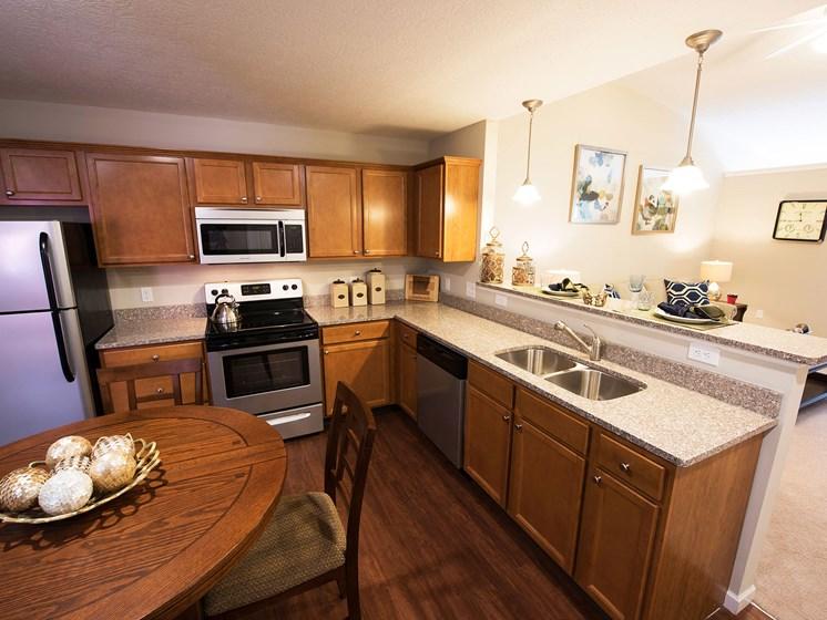 Westfield Indiana Apartment Rentals Redwood Westfield Myra Way Kitchen Granite Redwood Apartment Neighborhoods