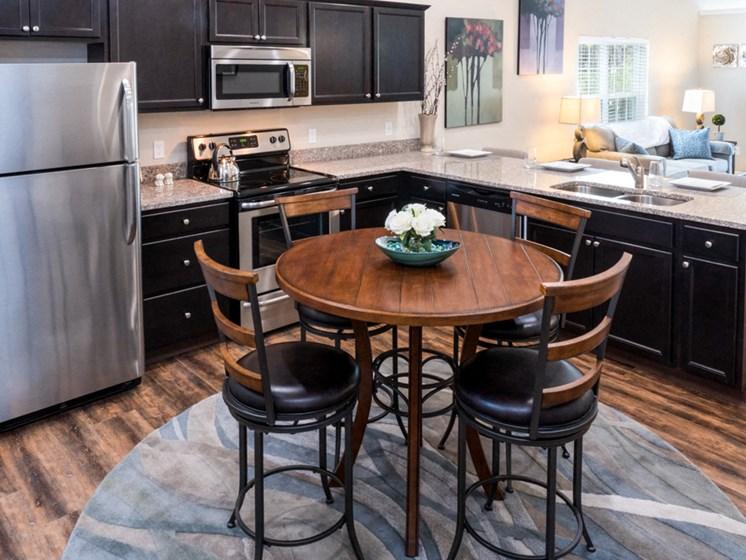 Avon OH Apartment Rentals Redwood Carmel At Stonebridge Kitchen