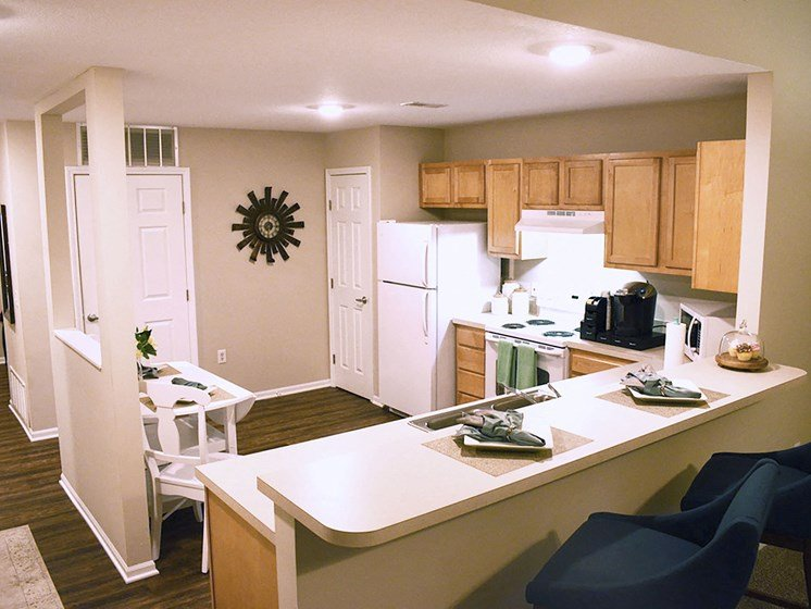 Olmsted Township OH Apartment Rentals Redwood Arbors Of Olmsted Updated Kitchen3