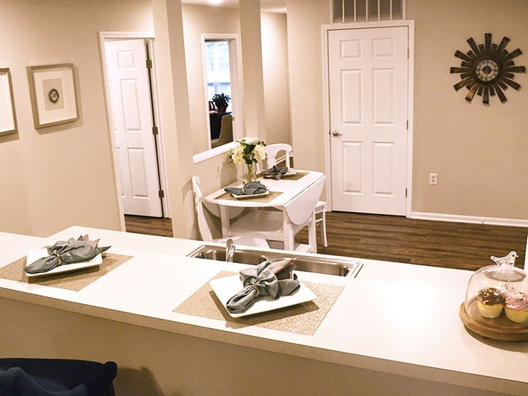 Olmsted Township OH Apartment Rentals Redwood Arbors Of Olmsted Updated Kitchen