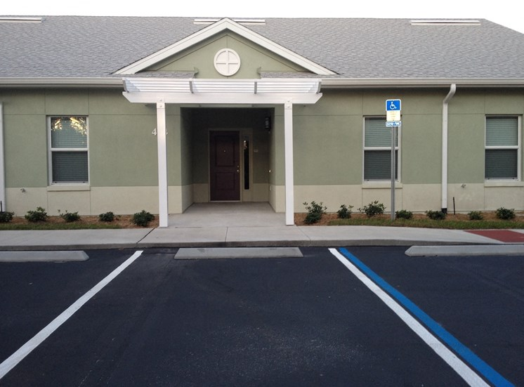 St. Anthony Garden Court apartments in St. Cloud, FL handicapped parking accessible