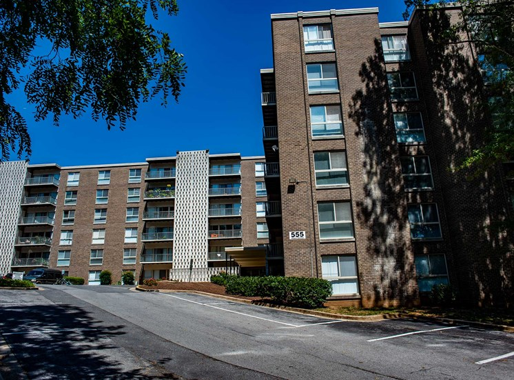 Silver Spring House Apartments Wide View
