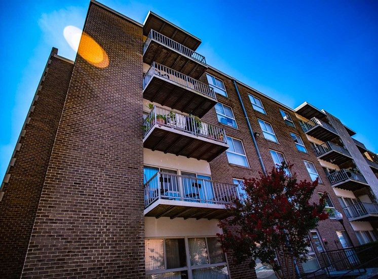 Silver Spring House Balconies 03