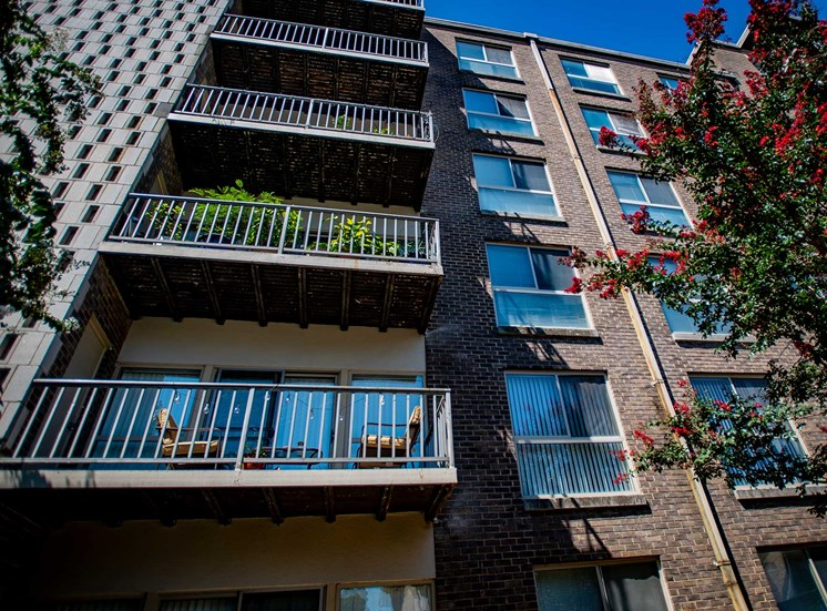 Silver Spring House Balconies 02
