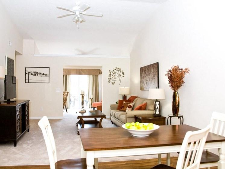 North Ridgeville OH Apartment Rentals Redwood Retreat Stafford Living Room Dining Combo