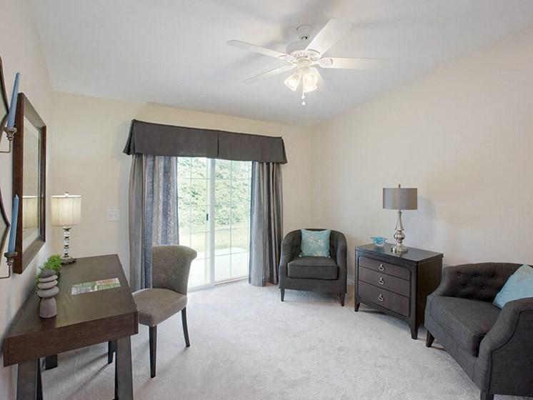 Oregon OH Apartment Rentals Redwood Bay Pointe Living Room Den