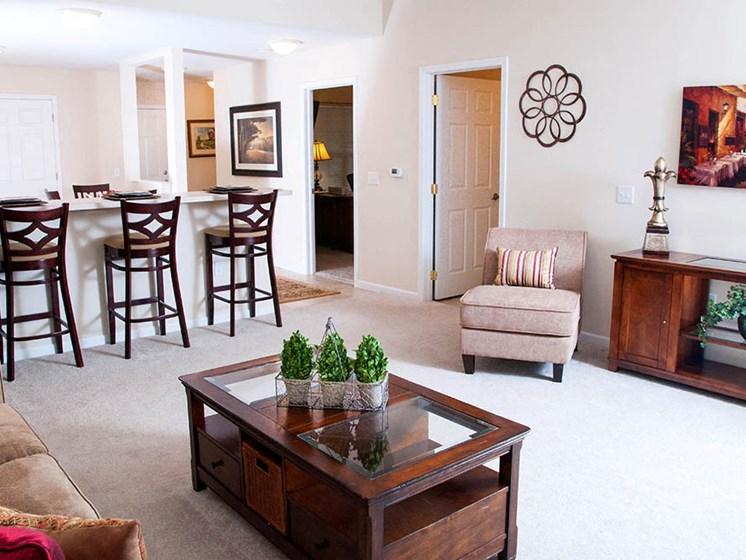 Perrysburg OH Apartment Rentals Redwood Arbors Of Perrysburg Living Room