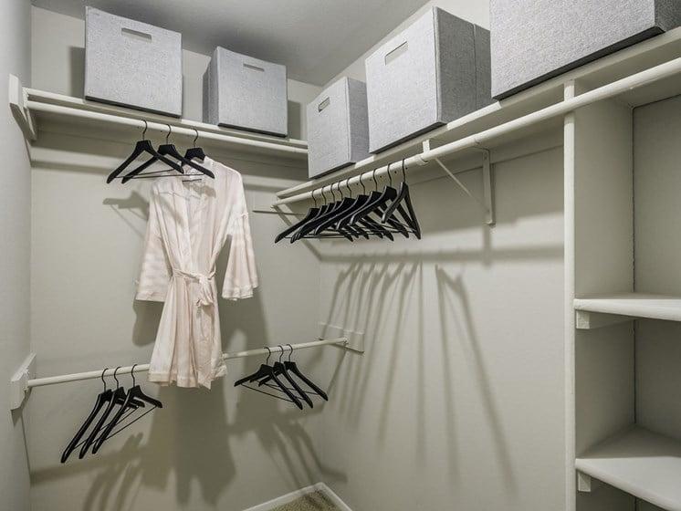 A2 - Walk in Closet