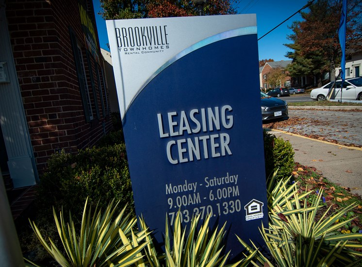 Brookville Townhomes Leasing Signage Photo