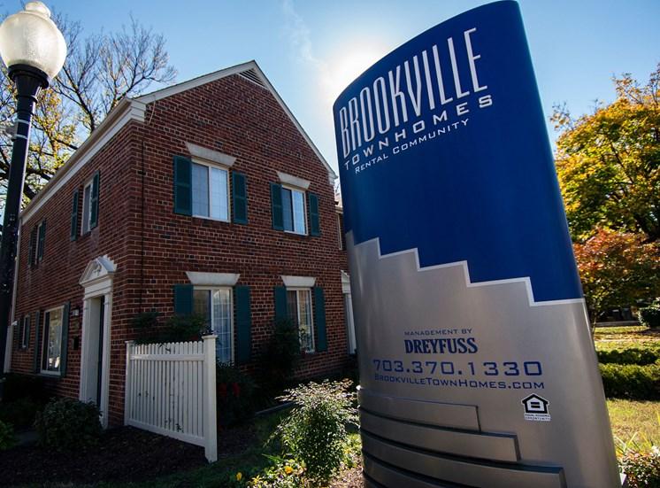 Brookville Townhomes Entrance Signage Photo