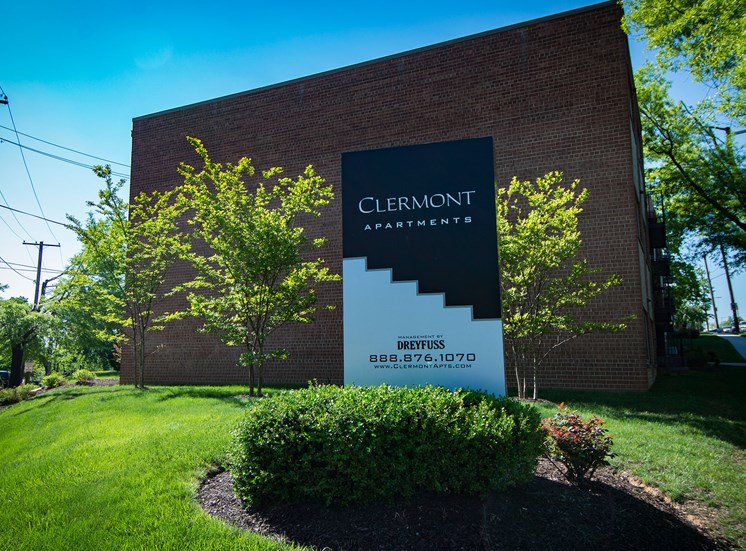 Clermont Apartments Building Signage 15