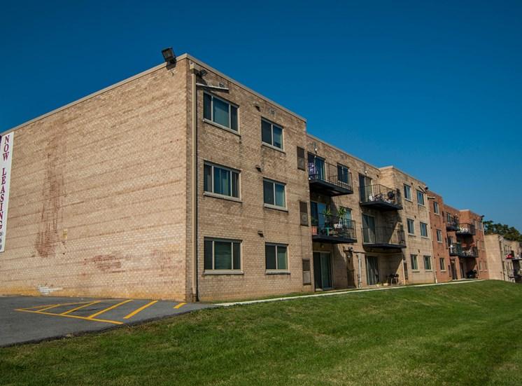 Clermont Apartments Building Exterior 33