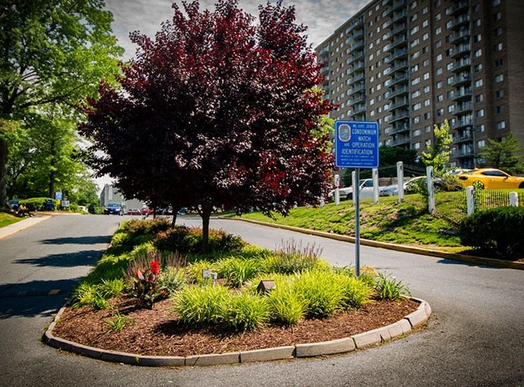 Heritage Park Apartments Entry Landscaping