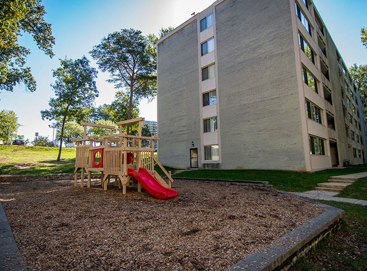 Heritage Park Apartments Playground 2 B