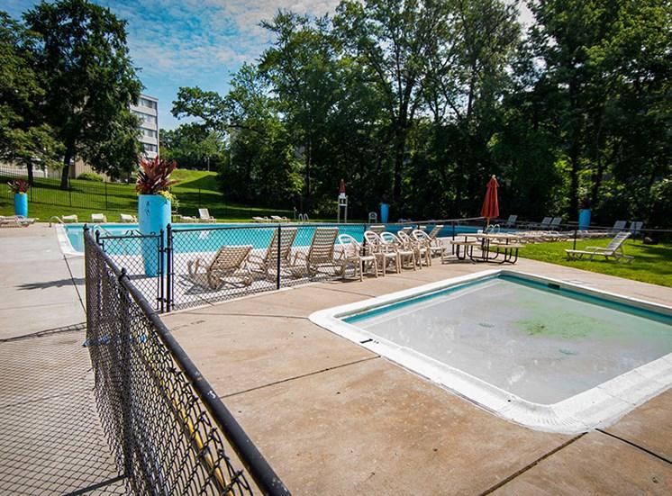 Heritage Park Apartments Pool 10